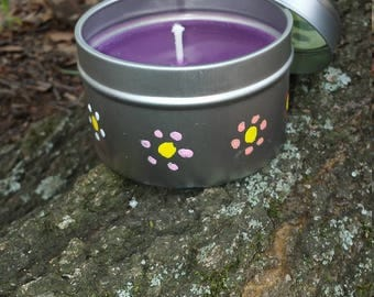 Lavender scented soy candle in a 6 oz. tin