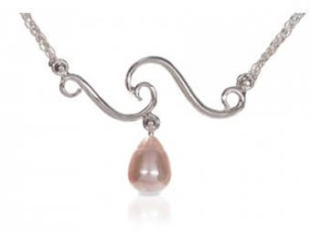 Signature Pearl Wave Necklace