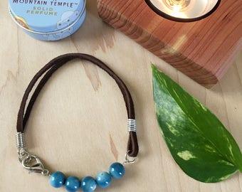 Shell Bead Bracelet / Leather Bracelet / Leather Jewelry / Blue Bracelet / Boho Jewelry / Beaded Bracelet / Festival Bracelet / Bohemian