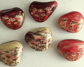 Painted sea stones, homedecoration, tabledecor, homegifts, interior, handcraft, stoneart, cosy gifts, lovebirds, familyreunion