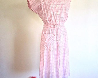 L 40s 50s Pink Cotton Day House Dress Plaid Stitched White Red Purple Pearlized Button Front Belt Large