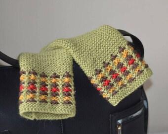 Pair of mittens in wool