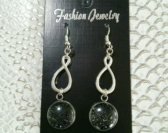 """a gem for always"" earrings black cabochon"