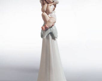 """Retired Lladro """"It's a Girl"""" bell figurine. Item #6416"""