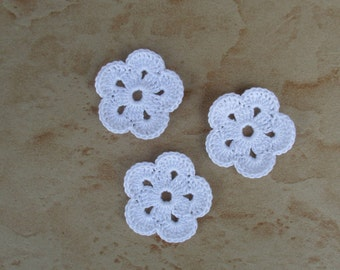 set of 3 white flowers 5 petals crochet