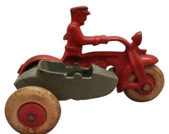 Hubley Cast Iron Motorcycle Cop with Sidecar