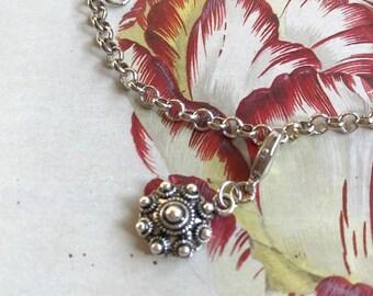 Bracelet with a Zeeuws knot. ' Silver '. Dutch.