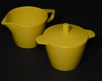 Vintage, Dorchester, Melamine, Mustard yellow, Creamer and Sugar Bowl with Lid, Dorchester Dinnerware, Yellow, Hard Plastic, by Cyanamid