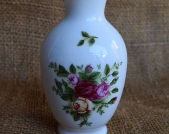 Vintage Royal Albert Old Country Roses Bud Vase, c1970, Fine Bone China, Home Decor, Home Accents, Collectables, Shabby Chic, Boho Style