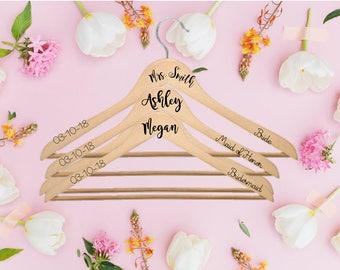 Personalized Wedding hangers, hanger set, Bride hanger, Mrs. Hanger