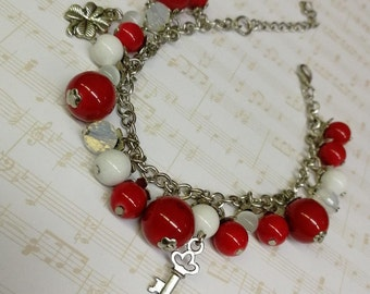 Bracelet made of coral, handmade,suitable for any occasion, a great gift.