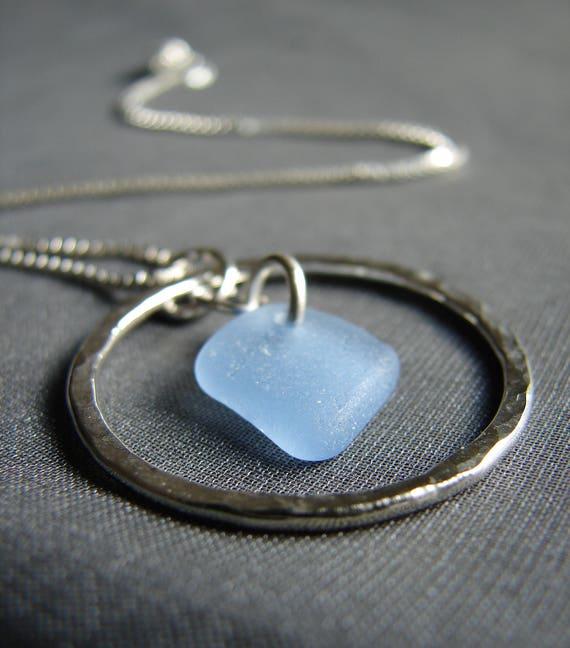 Sea Circle necklace in cornflower blue