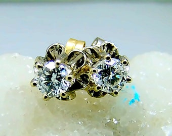 14k White Gold Half Carat VS Diamond Stud Earrings Vintage Buttercup Setting