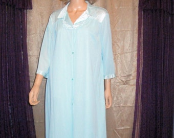 Vintage Vanity Fair Robe, Teal/Blue nylon, Size Large, Elbow length sleeves, Made in Guatemala, Classic cut 5 button front style