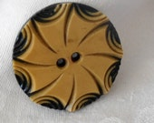 VINTAGE Pin Wheel Layer Carved Sew Thru Celluloid Sewing BUTTON