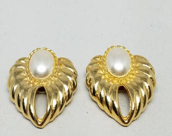 Gold Tone Shoe Clips Faux Pearls Vintage Bluette Made in France Clips