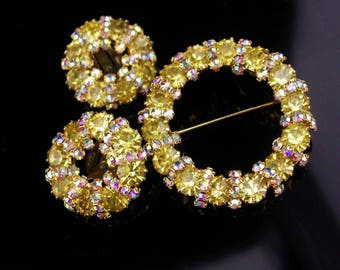 Vintage Weiss Brooch & Earrings / Stunning yellow rhinestones / aurora borealis / signed Weiss Brooch / clip on earrings /estate jewelry