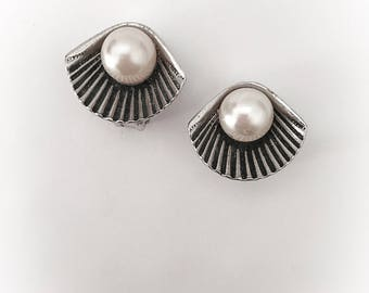 Vintage Clam and Faux Pearl Earrings Silver Tone Metal Clip On