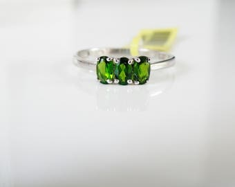 Estate New Old Stock Sterling Silver 925 Natural Chrome Diopside Trilogy Three Stone Ring Size 8