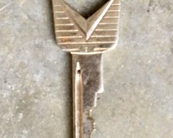 Vintage Old Ford V Key