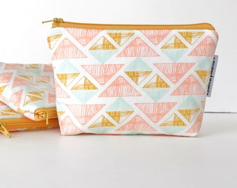 simple pouch -- golden triangles