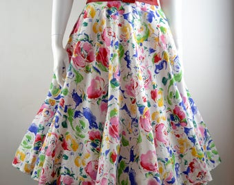 """Cotton floral FULL CIRCLE skirt with POCKETS W32.5"""" 80s does 50s Size L roses white red pink green vintage rockabilly pinup"""