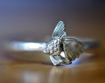 Silver Fish Ring, Personalized Dainty Sterling Silver Ring, Fancy Fantail Goldfish Ring, Custom Engraved Animal Charm Jewelry