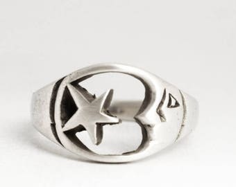 Moon and Star Ring, Celestial Ring, Sterling Silver Pinky Ring, Size 3.75, Vintage Toe Ring, Star Ring, Cute Moon Ring, Size 3 3/4 (V6950)
