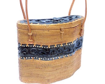 Vintage Tenganan Carved Wood Basket Purse