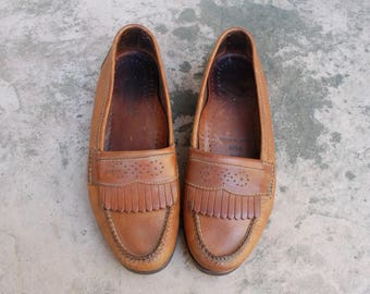 Vintage Mens 9.5d Cole Haan Country Genuine Handsewn Leather Brown Fringe Kiltie Slip On Loafers Oxfords Wingtips Classic Dress Shoes