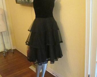 Vintage Ruffled Strapless Dress Small Sweetheart Neckline Gorgeous