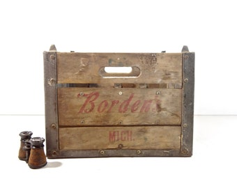 Vintage Dairy Crate / Metal and Wood Borden's Dairy Michigan Milk Bottle Crate / Rustic Storage