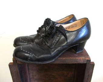 Vintage 1930s Shoes | Black Leather 1930s 40s Oxford Heels | size 7