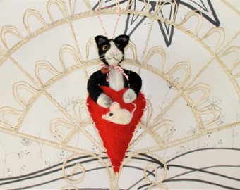 Needle felted black and white cat kitten ornament, red heart with mouse, wool felt ornament, Pet Pocket, tuxedo cat, black and white cat