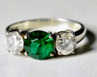 SALE Vintage Sterling Silver Green and White Crystal Gemstone Band Size 10.25