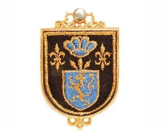 Kramer Brooch, Kramer Pendant, British Coat of Arms, Embroidered Crest Pendant, Navy Blue Fabric, Gold Shield, Vintage 1970s Brooch