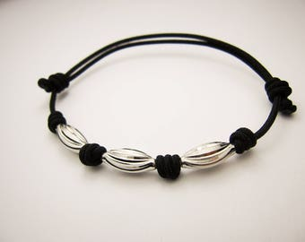 Black String Bracelet, Minimalistic Bracelet, Mens Bracelet, Unisex Bracelet, Adjustable bracelet, Simple Knot Bracelet, Single String