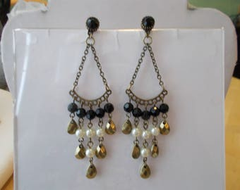 Post/Stud Gold Tone Chain Earrings with Black, Gold and White Sea Shell Pearl Dangles