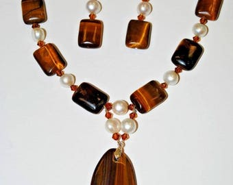 Tiger Eyes and Freshwater Necklace Set.Handmade Tiger Eye's Necklace.Olga's Necklaces