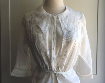 1920s White Cotton Blouse with Puntucks & Floral Embroidery, Button Front 20s Top with Side Collar, Leaf Embroidery and Tie Waist