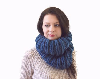 Chunky Knit Cowl Scarf | The London