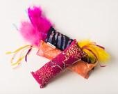 Assortment Batik Kickin Stick Cat Toy (1)