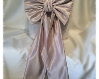Large Oyster Satin Large Bow