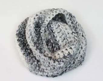 Chunky Knit Infinity Scarf Wool Circle Scarf | THE VIENNA in Avalanche