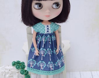 Pretty blue and green empire dress for Blythe
