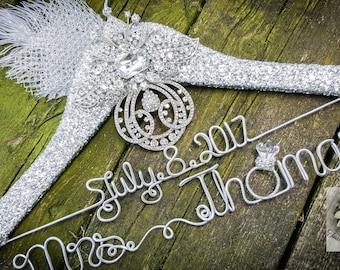 Wedding Dress Hanger - Vintage Brooch Bridal Hanger - Diamond Ring - Silver Glitter Wedding Hanger - Original design - Unique Design Hanger