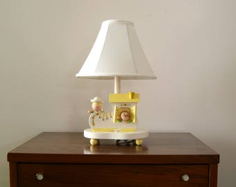 Underwriter Labatories Inc. Irmi style children's nursery lamp with nightlight