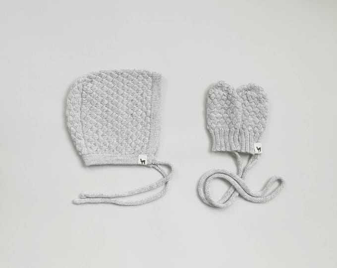 Baby cap and mittens in textured pattern gift set bonnet and mittens charcoal gray white alpaca wool baby hat knit bonnet baby shower gift