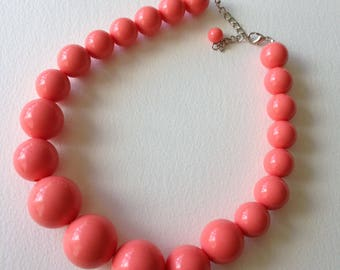Necklace - pink plastic beads chunky necklace