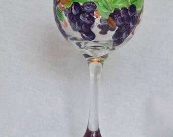 Grape Vine Wine Glass